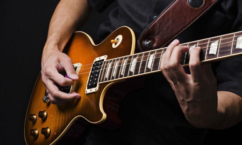 راهنمای خرید 22 نمونه گیتار الکتریک خوب و خوش صدا+ قیمت روز