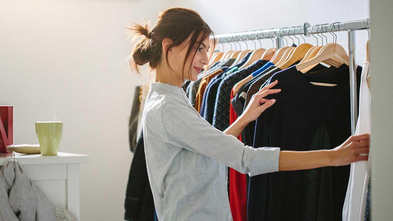 راهنمای خرید انواع رگال لباس دیواری و ایستاده ارزان+قیمت روز