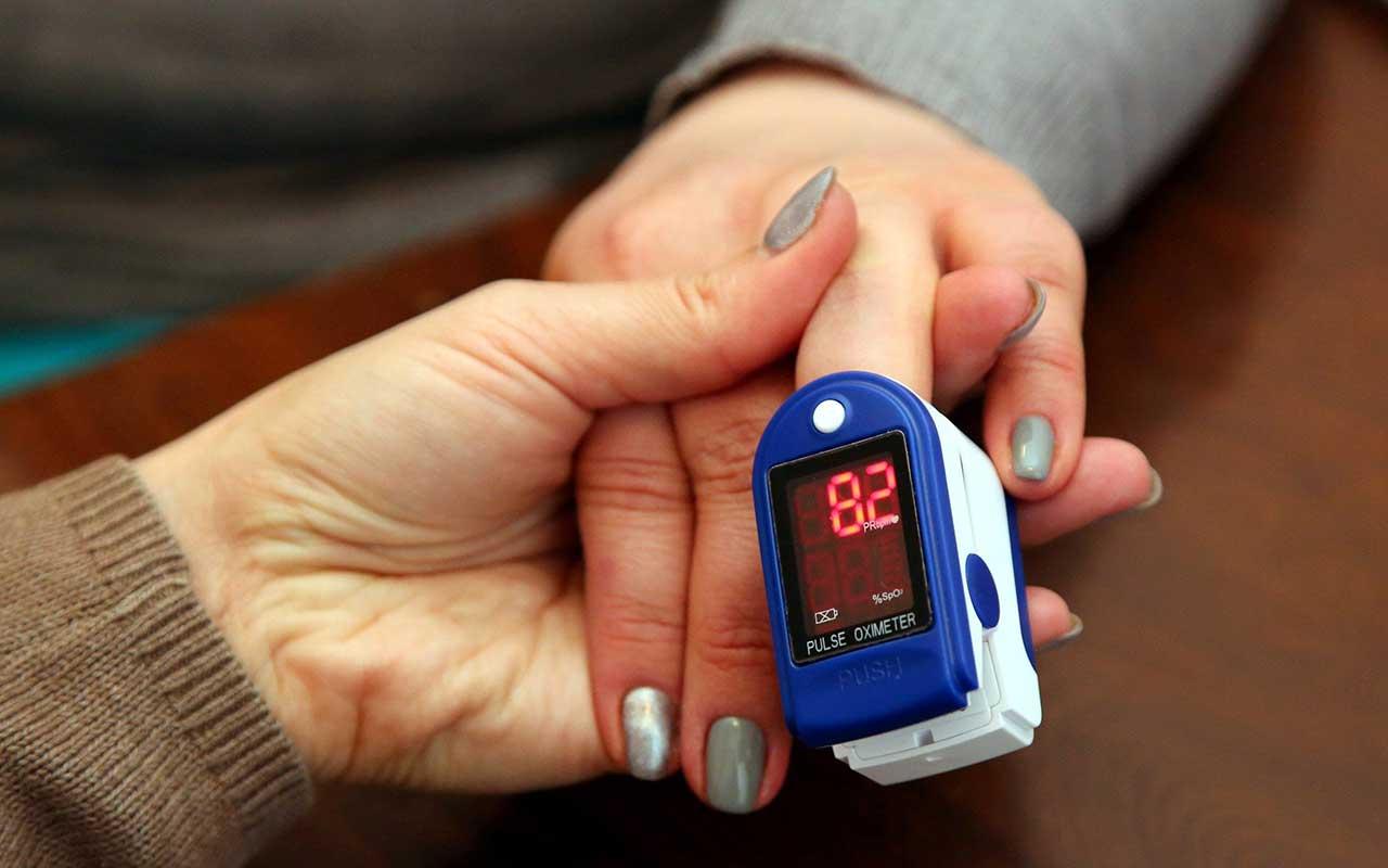 راهنمای خرید دستگاه اندازهگیری اکسیژن خون و ضربان قلب