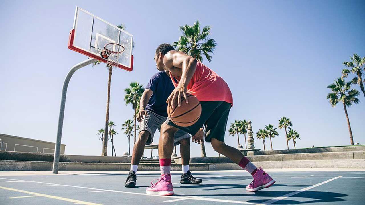 راهنمای خرید بهترین مارک کفش بسکتبال حرفهای و ارزان