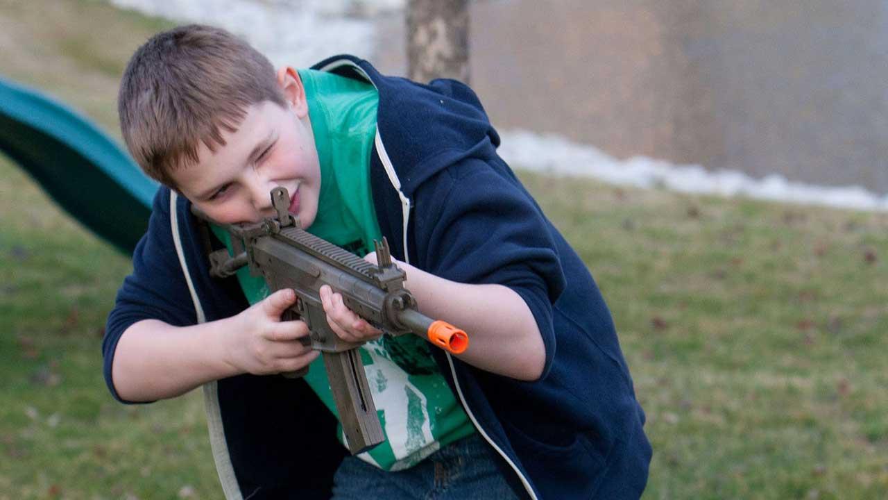 راهنمای خرید انواع تفنگ اسباب بازی ترقهای ارزان